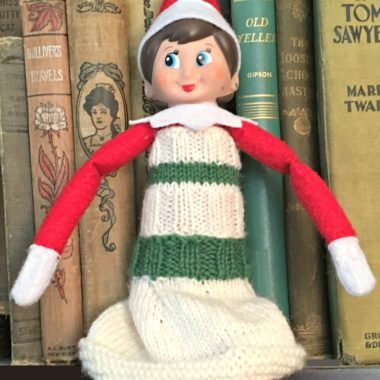 Elf on the Shelf Knitted Top and Skirt: a Free Pattern